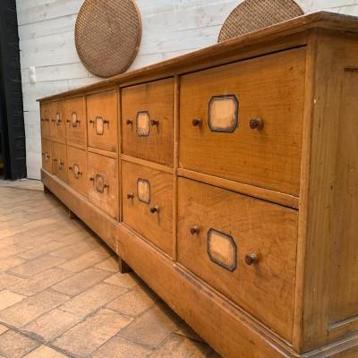 Grand meuble à tiroirs en bois 1930