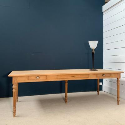Banque de France oak table