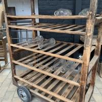 Ancien chariot de boulangerie en bois