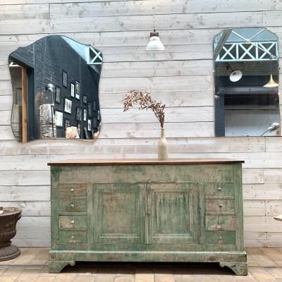 Ancien meuble de métier en bois