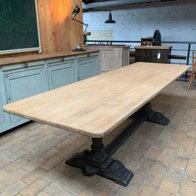 Ancienne table de monastère
