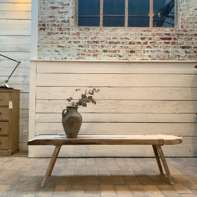 Table basse primitive en bois