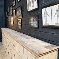 Ancien meuble de quincaillerie
