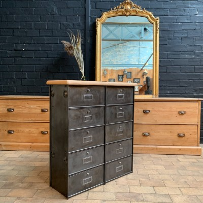 Industrial cabinet with flaps