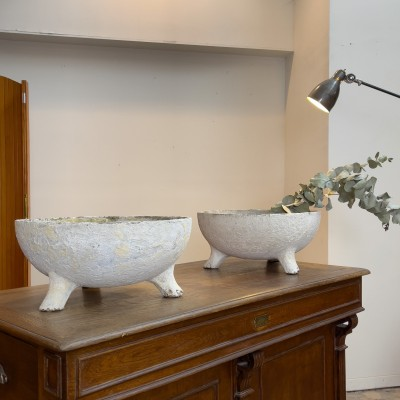 Pair of 1950 design planters by Willy Guhl