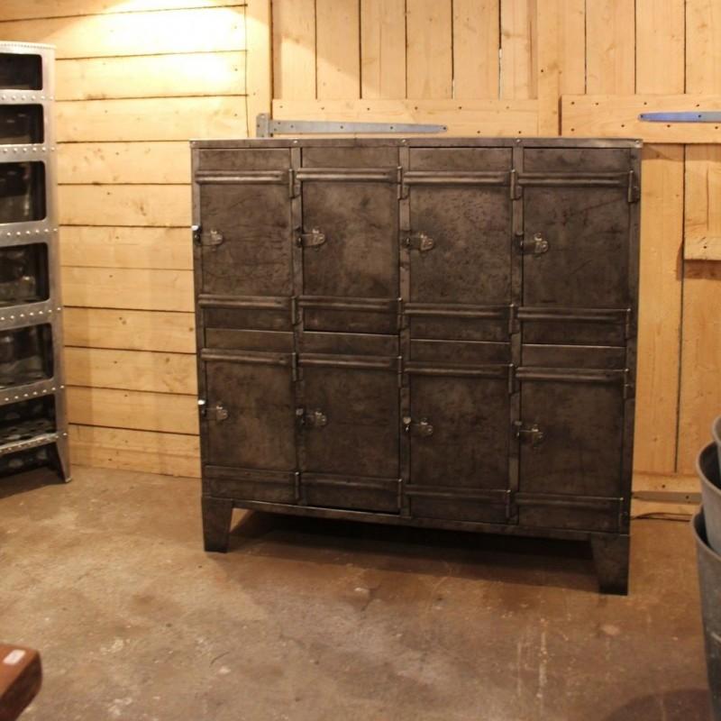 meuble industriel 8 portes 1950