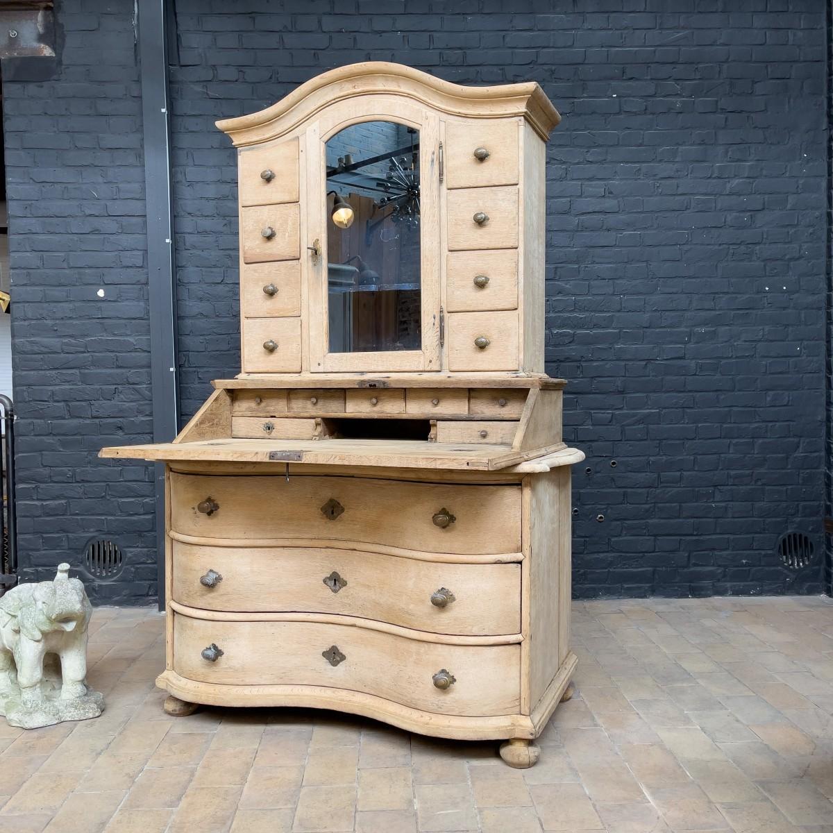 French oak cabinet 18th century