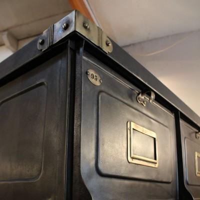 21 valves cabinet Strafor 1930