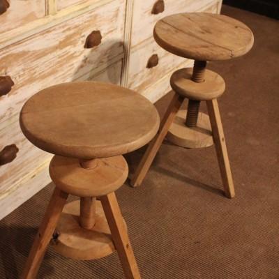 Paire de tabourets d'atelier en bois