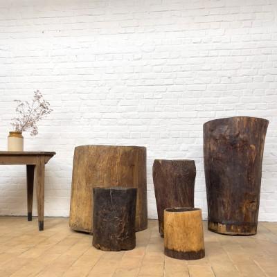 Ensemble de bacs en bois brutaliste