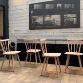 🌟 Chaises  en bois 1960 - disponible sur notre site www.ma-petite-boutique.fr 🌟 Stock: 2