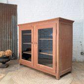 Buffet 2 portes en bois dans sa patine d'origine - 156 x 56 x h126 cm - dispo sur notre site