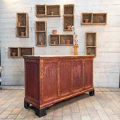 Ancien comptoir de commerce en bois Patine d'origine protégée. 13 tiroirs - disponible sur notre site (lien en bio)