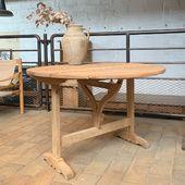 Table en chêne disponible sur notre site www.ma-petite-boutique.fr