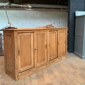 Ancien meuble de commerceen chêne  à portes coulissantes
