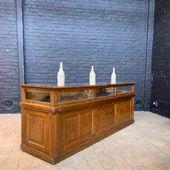 Ancien comptoir de bijoutier en chêne - 221 x 61 x h83 cm - disponible sur notre site